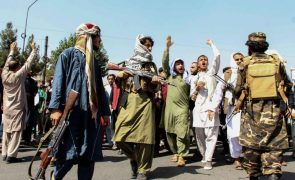 Afeganistão: ONU denuncia violência dos talibãs contra manifestantes