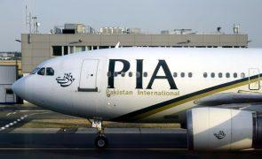 Afeganistão: Transportadora paquistanesa anuncia primeiro voo comercial para Cabul
