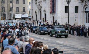 Sampaio: Aplauso de vários minutos para antigo Presidente na Praça do Município