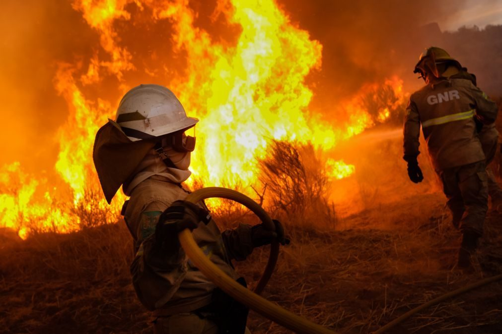Incêndios: Todos os fogos estavam dominados às 09:00