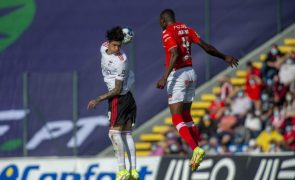 Benfica segura liderança I Liga com goleada no terreno do Santa Clara