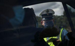 Três automóveis modificados apreendidos em ação de fiscalização em Penafiel