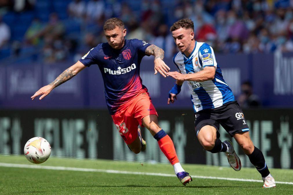 Atlético de Madrid sofre mas vence no último minuto no regresso de João Félix