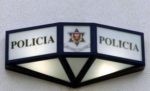 Homem detido no Cais do Sodré depois de ameaçar passageiros com tesoura