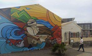 Murais e cor levam proteção das espécies marinhas às escolas de São Vicente