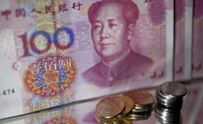 Dívida do Estado chinês detida por investidores estrangeiros volta a aumentar em agosto