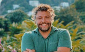 Especialista analisa linguagem corporal de César Mourão e fala em