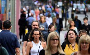 Covid-19: Reino Unido regista 61 mortes e quase 31 mil novos contágios