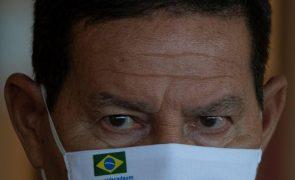 Vice-PR do Brasil descarta rutura institucional apesar da