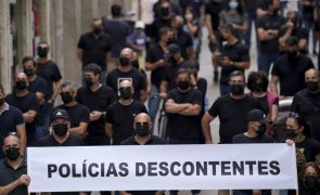 Polícias protestam junto à residência de António Costa