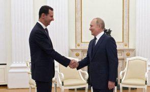 Síria: Putin critica ingerência estrangeira ao receber Assad