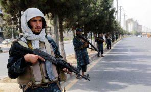 Afeganistão: Retomados voos humanitários da ONU para Cabul