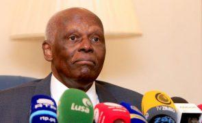 Ex-presidente José Eduardo dos Santos regressou hoje a Luanda