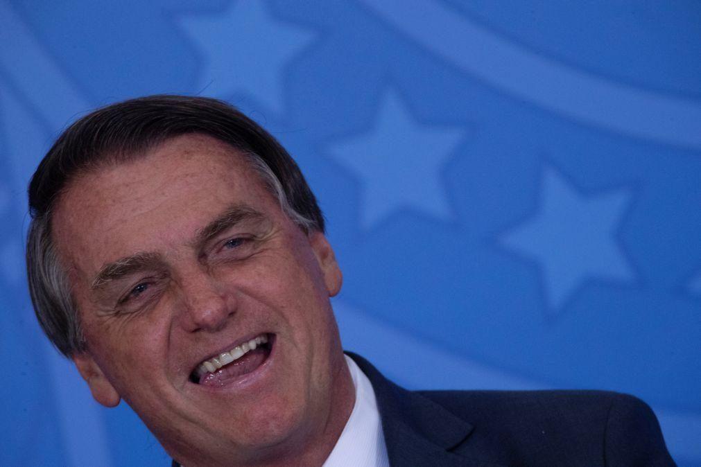 Bolsonaro dá por superados conflitos e elogia Parlamento e Supremo do Brasil