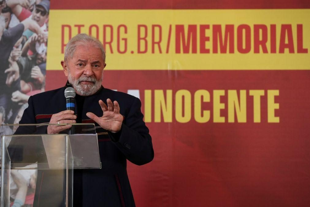 Juiz suspende dois processos contra ex-Presidente Lula da Silva na Lava Jato