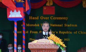 Países envolvidos na península coreana devem reduzir tensão militar -- MNE chinês