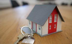 Agente imobiliária violada enquanto mostrava casa a suposto interessado