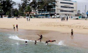 Covid-19: Praias de Luanda reabriram pondo fim a mais de um ano de