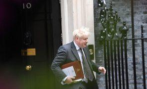 PM britânico demite ministros da Educação, Justiça e Habitação em remodelação governamental