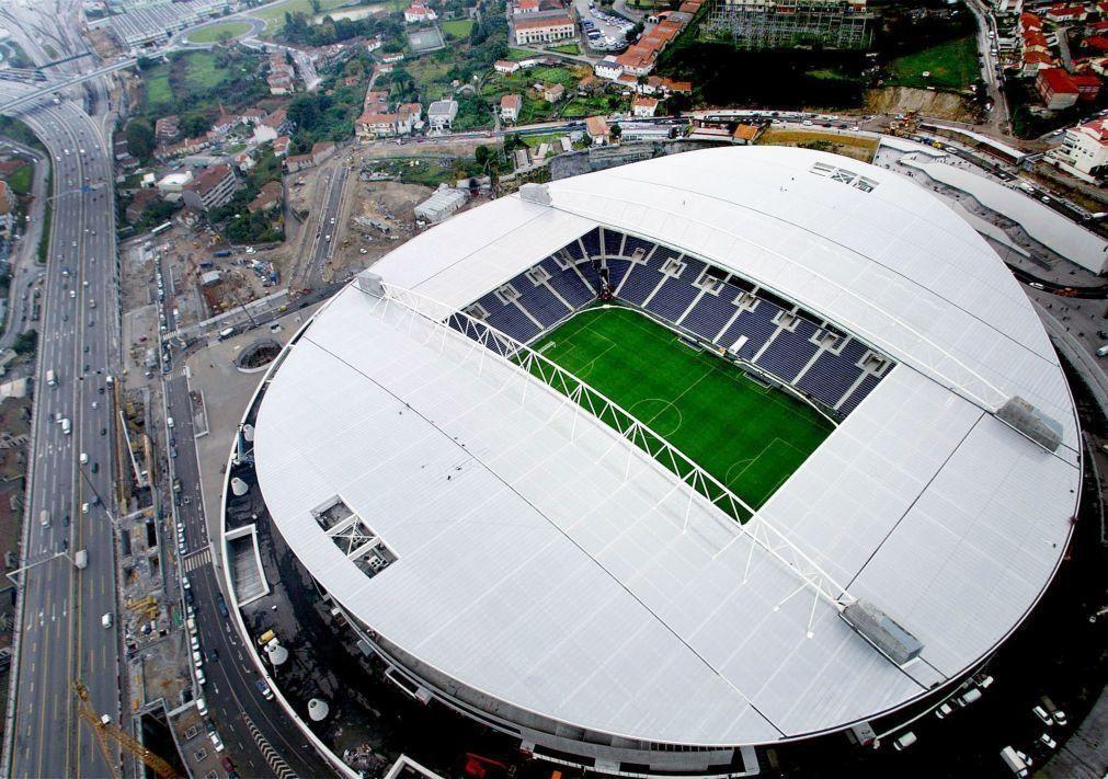 Covid-19: FC Porto é primeiro dos 'grandes' a retomar venda de bilhetes de época