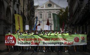 Trabalhadores da Saint-Gobain vão manifestar-se em S. Bento contra despedimento coletivo