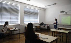 Médias mais baixas na segunda fase dos exames, Matemática e Física e Química com negativa
