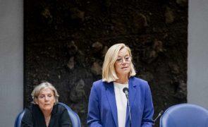 MNE holandesa demite-se devido a gestão da retirada de civis do Afeganistão