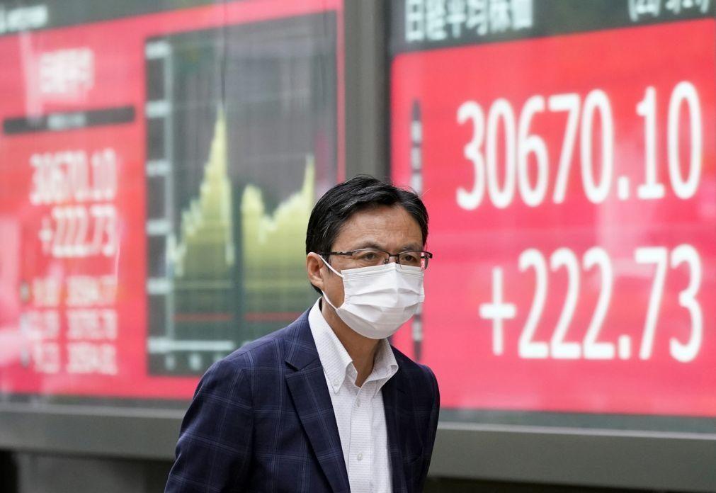 Bolsa de Tóquio abre a ganhar 0,39%
