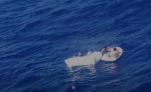 Morre em naufrágio depois de 4 dias a amamentar os filhos