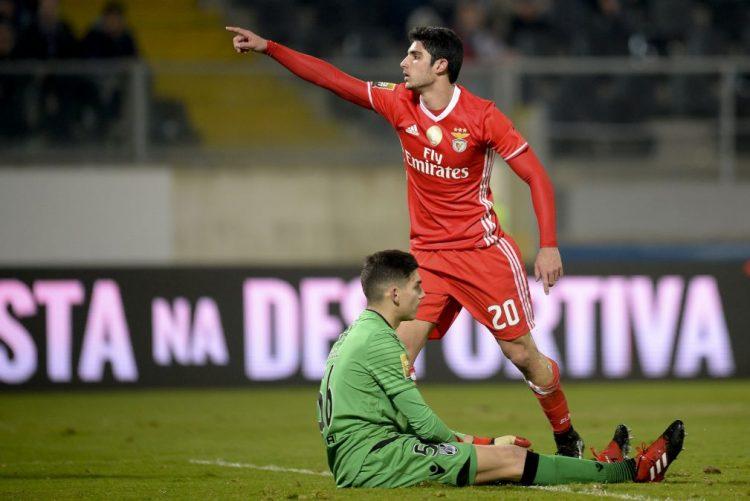 Benfica vence em Guimarães e apura-se para fase final da Taça da Liga