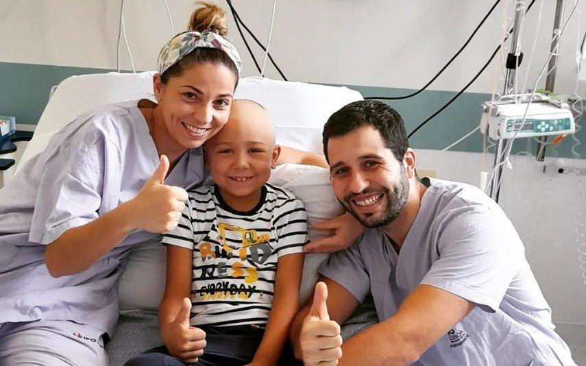Cancro Pais de menino com doença raro vivem no hospital há 4 meses