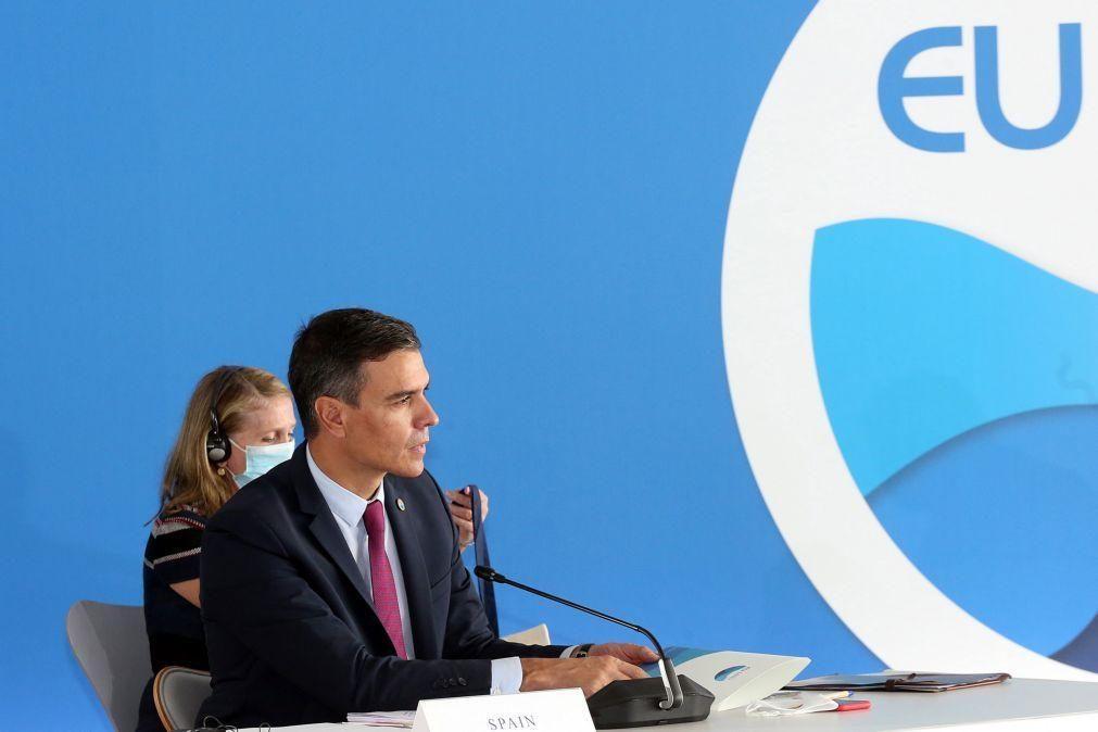 PM espanhol pede resposta europeia comum ao aumento dos preços da eletricidade