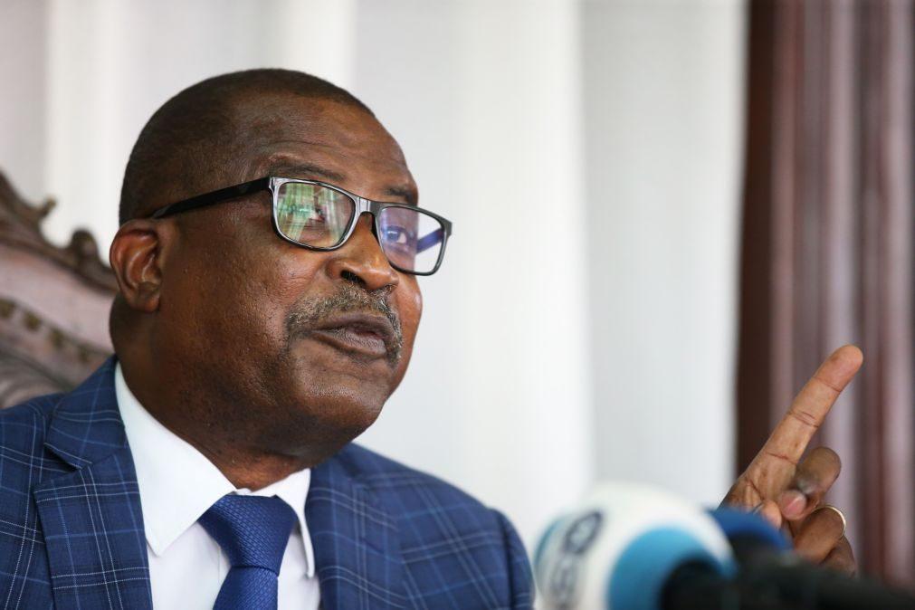 São Tomé/Eleições: Terceiro classificado acusa dois maiores partidos de