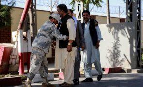 Dois mortos e 19 feridos nos primeiros ataques no Afeganistão com Governo talibã