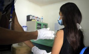 Covid-19: Vacinas de segunda geração procuram prevenir infeção e travar transmissão
