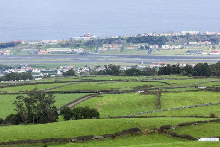 Voo da Qatar aterra na Terceira, Açores, três passageiros transportados para Hospital