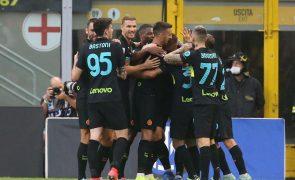 Inter Milão 'esmaga' Bolonha e sobe provisoriamente à liderança em Itália