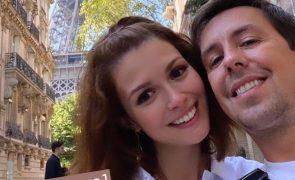 Beatriz Barosa e Manuel Marques Trocam juras de amor em Paris (Vídeos)