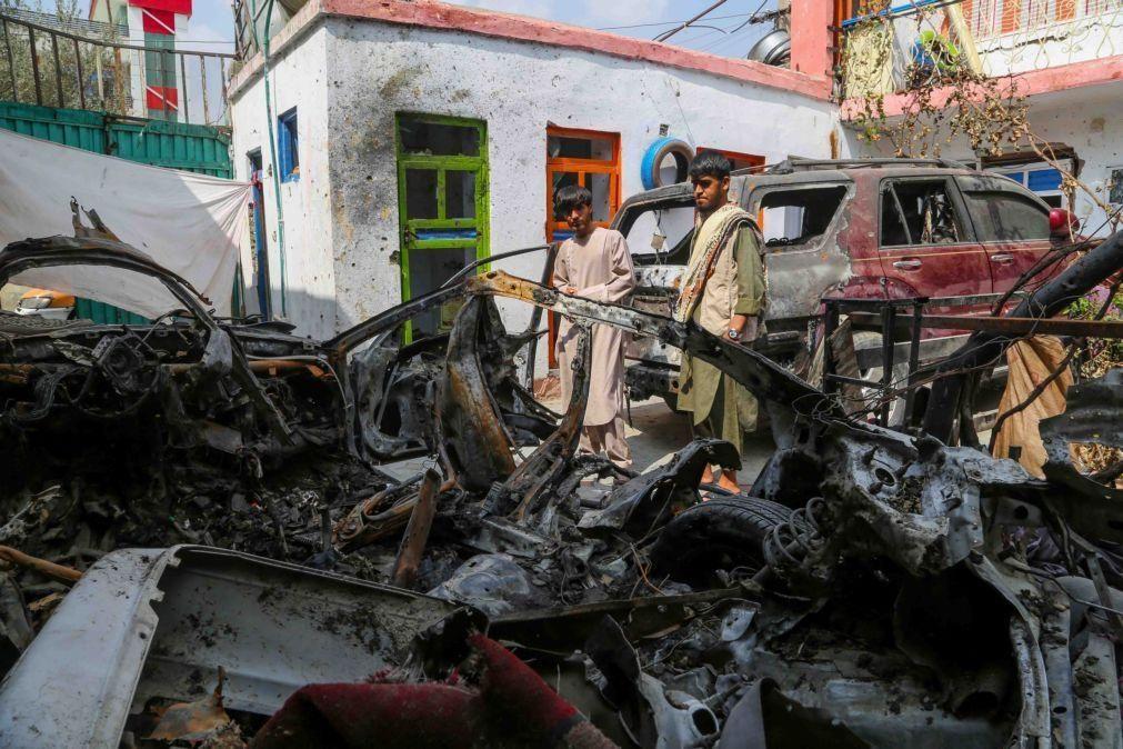 Afeganistão: Grupo Estado Islâmico reivindica vários atentados contra talibãs