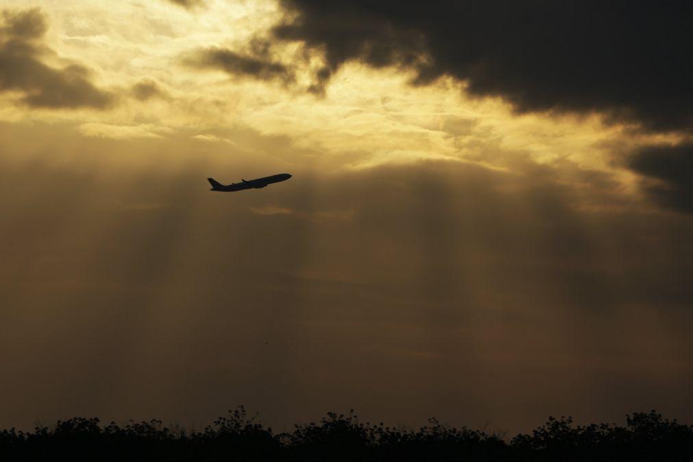 Espanha ativa protoloco sobre vulcões mas não suspende voos para La Palma