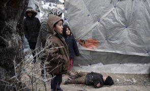 Campo de refugiados na ilha grega de Samos atingido por incêndios, que foi controlado