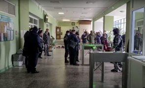 Confirmadas seis mortes em tiroteio numa universidade russa