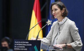 Ministra espanhola pede desculpa por ter dito que vulcão podia ser atração turística