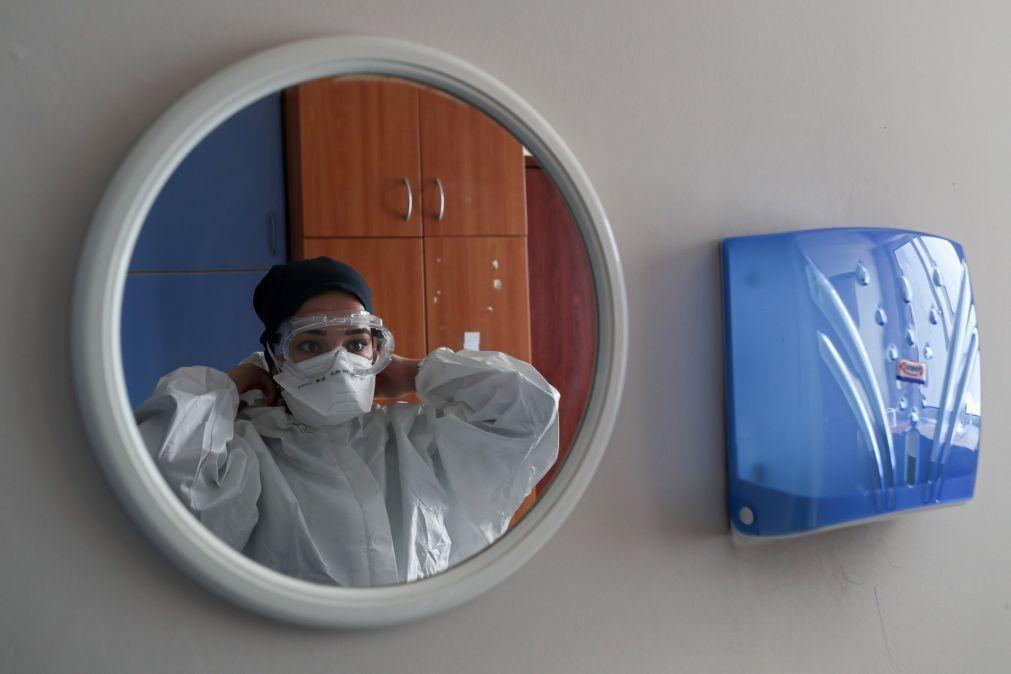 Covid-19: Pandemia já matou mais de 4,7 milhões de pessoas no mundo