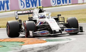Mazepin e Schumacher continuam na Haas em 2022