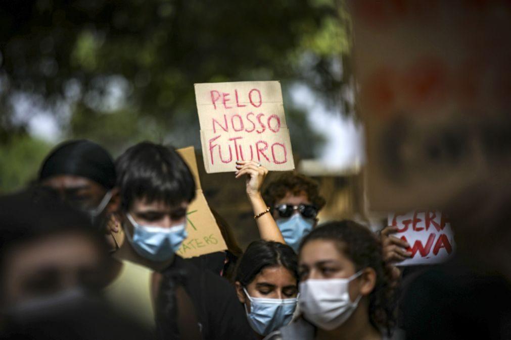 Duas centenas na rua em Lisboa em greve climática apartidária, mas com partidos