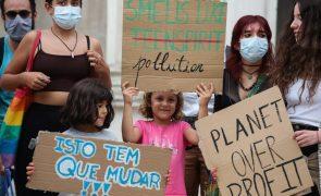Jovens manifestam-se em Coimbra para exigir ação contra as alterações climáticas