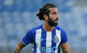 Sérgio Oliveira dá vitória ao FC Porto no final da partida