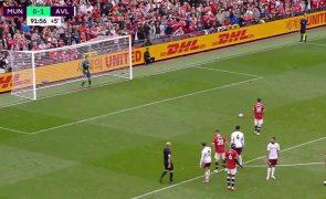 Bruno Fernandes falha penálti nos descontos e United perde [vídeo]