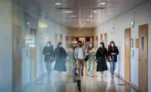 Resultados de concurso de acesso ao ensino superior conhecidos no domingo